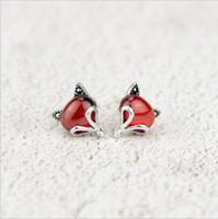 pequena raposa vermelha venda por atacado-925 brincos de prata versão feminina coreana do pequeno fresco red garnet fox bonito orelha animal jóias