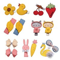 ingrosso accessori per capelli gialli-Cute Animal Hair Clips Bambini Strawberry Small Yellow Duck Nnimal Hair Hairpin Accessories 2019 New Fashion Hairpin