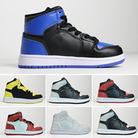 ingrosso pallacanestro per il bambino-Nike air jordan 1 retro firmata congiuntamente alta OG 1 1s Youth Kids Scarpe da pallacanestro Chicago New Born Baby Infant scarpe da ginnastica per bambini Piccola grande ragazze dei ragazzi Sneaker