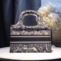 книжные кошельки оптовых-28 см классические пляжные сумки дизайнер роскошные сумки кошельки эскиз вышивка дизайнер сумка большой емкости сумки цветы книга тотализаторы
