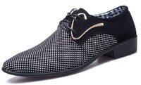 zapatos de vestir a cuadros de los hombres al por mayor-Zapatos concisos de cuero para hombre Vestido de negocios para hombres Zapatos de punto escocés puntiagudos Boda transpirable Zapatos básicos