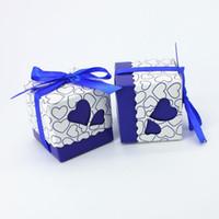cajas de dulces navy al por mayor-5 * 5 * 5 cm DIY Heart Candy Box Pequeños regalos de boda azul marino para invitados Cajas Kraft con decoración de cinta Favores de la boda