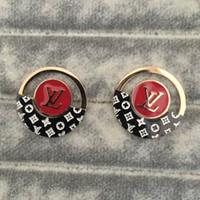 ingrosso nuovo prezzo dell'orecchino di disegno-Orecchini a bottone in argento con placcatura in oro di design di lusso di nuovo arrivo di marca di moda orecchini a bottone in argento 18k Prezzo all'ingrosso
