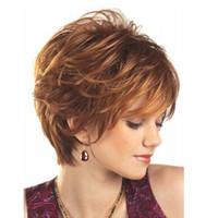 ingrosso capelli biondi sciolti-Donne parrucche corte ricci europeo popolare biondo platino crespi sciolti capelli ricci signore onda onda pasticcio capelli resistenti al calore parrucche di moda