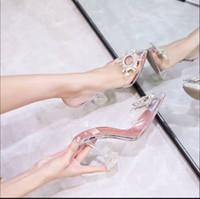 spitz transparenter hoher absatz großhandel-2019 Designer transparente Kristall Schuhe mit hohen Absätzen Leder Frauen pumpen Frauen hohe Absätze, spitze Zehe goldenes Dreieck mit Hochzeit