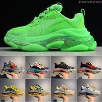 zapatos de damas cristales al por mayor-Designer Triple S Casual Shoes Hombre Verde Triple S Sneaker Mujer Leather Casual Shoes Low Top Lace-Up Casual Flat Shoes Con Clear Sole