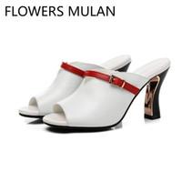 218612711f33d5 Solido nero bianco sandali in vera pelle ragazza con fibbia della cintura  rossa scarpe da donna peep toe tacco alto strano gattino Zapatos de mujer #  10231
