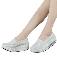 Wholesale leather swings for sale - Group buy QSR spring genuine leather mother casual woman shoes swing shoes white nurse shoes slip resistant plus size platform
