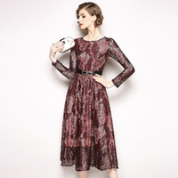 d8365e73215 Robes de bal d étudiants féminines formelles pour la soirée à porter des  manches longues coupe slim avec robe femme rouge