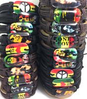 ein liebes-armband großhandel-Großhandelsmischungslos 50pcs Bob marley lederne Armband-Mann-Art- und Weisearmband-Friedensliebesblatt Schmucksachen HEISS