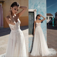Wholesale vintage style beach wedding dresses resale online - Elegant Vintage Country Style Lace Wedding Dresses Strapless Zipper Back d Floral Applique Bridal Gowns Boho Beach