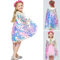 bebek giyim malzemeleri toptan satış-Mermaid Pullu Cape Cosplay Bebek Çocuk Kız Pırıltılı Prenses Pelerin Boncuk Ile Çocuk Cadılar Bayramı Partisi Kostüm Giyim Malzemeleri WX9-1480