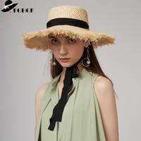 geniş ağızlı siyah şapka kadınlar toptan satış-Toptan kadın Örgü Rafya Güneş Şapka Geniş Ağız Yaz Plaj Şapka Beyaz Siyah Şerit Lace Up Hasır Şapka Kentucky Derby Boater Şapkalar