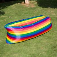 im freien faul tasche großhandel-5 Farben Camouflage Lounge Schlafsack Regenbogen Faul Aufblasbares Sofa Im Freien Faul Selbst Aufgeblasen Schlafsäcke Sitzsack Sofa CCA11707 30 stücke