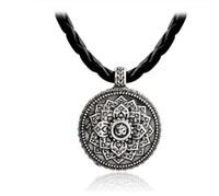 budala çiçek toptan satış-Hayat çiçek Kolye Yoga Çakra Mandala Kolye Kolye Antik gümüş Zen Buda Budizm Muska Dini Takı Hediye GB545
