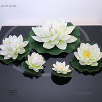 ingrosso fiore di loto galleggiante bianco artificiale-BIANCO artificiale Foglie di loto fiori Stagni d'acqua foglia di loto finta Lily Piscina galleggiante Piante da giardino di casa Matrimonio D24