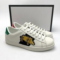 ingrosso scarpe da ginnastica europee-scarpe firmate scarpe di cuoio asso nero bianco scarpe da ginnastica europee di lusso con ape EMBOIDERED, tigre, serpente con dimensioni sacchetto contenitore di polvere ricezione 35-45
