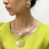 küpeleri izle toptan satış-Punk Altın Renkli Geometrik Metal Moda Takı Setleri Kadınlar Için Gerdanlık Kolye Küpe Set Bildirimi Collier bijoux