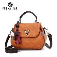 geometri çantası toptan satış-2019 Vintage Kadın Geometri Küçük V Stil Eyer Kadınlar Için Lüks Çanta Crossbody Ünlü Markalar Messenger Çanta Tasarımcısı