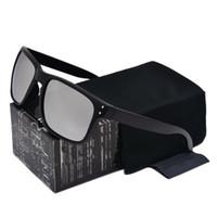 rahmen feuer großhandel-Zuverlässige Qualitätsmode Hochwertige Sonnenbrille für Männer Schwarz VR46 Rahmen Feuer Objektiv NEU 9102 Markendesigner Brille mit freiem Kleinkasten