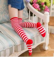 ingrosso lo stock-calze di Natale calze bianche coscia ampie rossi e calzettoni per lo stoccaggio di usura dei bambini in Giappone