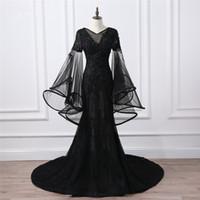 boncuklu siyah akşam elbisesi resmi toptan satış-Zümrüt Siyah Uzun Abiye 2018 V Boyun Uzun Kollu Aplikler Dantel Boncuklu Kadınlar Seksi Örgün Pageant Törenlerinde Balo Parti Için