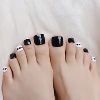 Wholesale nails art black bow for sale - Group buy Black And White Short Square Toe Nail Art Tips Smooth Full Cover For Feet Daily Fake Nail Bow Girl Salon Artificial