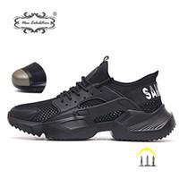 sapatos de calção suave para homens venda por atacado-Nova exposição Sapatos de Segurança do Trabalho 2019 tênis de moda Ultra-leve fundo macio Homens Respirável Anti-esmagamento Botas De Trabalho De Aço Do Dedo Do Pé