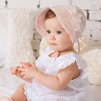 ingrosso beanie del merletto della neonata-Neonate principessa Lace cappello bello scava fuori il cotone Bonnet infantili del Beanie del fiore di Sun della benna della protezione del bambino Estate