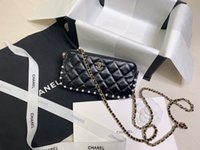 Wholesale can phone resale online - The new artificial pearl chain wallet in the special counter can be put into mobile phones in the middle of multiple card slots