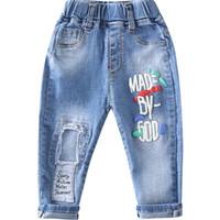 niños de jeans rotos al por mayor-Primavera Otoño Niños Jeans Baby Boys Hole Denim Pantalones Niños Moda Carta Pantalones largos Infantil Jean Ropa de verano Suelto Ripped