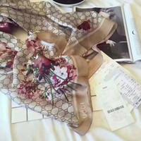 hijab accessories china achat en gros de-Nouveau luxe nouvelle écharpe de soie pour les femmes 2020 Summer Logo Designer Floral Vert Plein de fleurs longues écharpes Wrap avec l'étiquette 180x90cm Châles