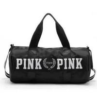 reisetaschen für frauen großhandel-Sporttaschen für Frauen Luxus Handtaschen Rosa Brief Große Kapazität Reise Duffle Striped Wasserdichte Strandtasche auf Schulter für Outdoor Business