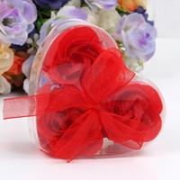 ingrosso i fiori artificiali vendono il trasporto libero-3 pezzi scatola di cuore a forma di sapone fatto a mano rosa sapone petalo fiore di carta di fiori di simulazione (3pcs = 1 scatola) regali di compleanno festa di san valentino