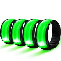 bracelets à leds verts achat en gros de-4 PCS LED Bracelet Réflecteur De Sécurité Bracelet Lumineux Bande Soutien Du Poignet Bleu Vert couleur Pour La Course À Vélo # 2d13 # 321146