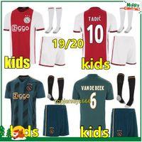camisa de futebol quente venda por atacado-Hot Ajax FC camisa de futebol crianças kits + meias 2019 2020 kids VAN DE BEEK ZIYECH TADIC NOURI DOLBERG NERES DE JONG 19 20 crianças ajax camisa de futebol camisa