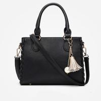 modelo coreano senhoras venda por atacado-Modelos de explosão borla Coreano pequeno saco quadrado nova moda senhoras bolsa de alta qualidade tendência Messenger bag