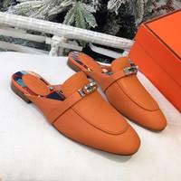 kaliteli deri kayma ayakkabıları toptan satış-Yaz yeni yüksek kalite ayakkabı tek kelime terlik deri düz alt yarım kayma metal toka sandalet tasarım bayanlar ayakkabı