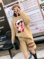 kızlar kış kısa seti toptan satış-Sonbahar Ve Kış Yeni Tay Sokak Moda Kız Yama Set Kazak Kadın Gevşek Rahat Şort Uzun Kollu Sokak 2 Parça Set Kadın