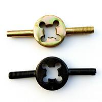 tüp anahtarı toptan satış-Motosiklet Bisiklet Tüp Anahtarı Vana Çekirdek Anahtarı Anahtar Gaz Anahtarı Söndürme Aracı Ayarlamak Siyah Ve Sarı 0 19yjH1
