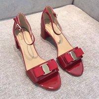 ingrosso le scarpe comode delle signore-2019 Estate nuovo marchio fibbia in metallo scarpe a punta donna tacchi alti moda arco confortevole donna festa nuziale sandali scarpe 6 cm
