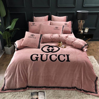 rote rosafarbene steppdeckeabdeckungssätze großhandel-Brief Rose Red Winter Bettwäsche Anzug Nordic Boutique 4 Stück Fleece Stoff Bettbezug Sets Bright Color 9888898