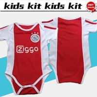camiseta de fútbol bebé al por mayor-2019 Baby kit Ajax camisetas de fútbol para el hogar 19/20 traje infantil # 4 DE LIGT # 22 ZIYECH AJAX camisetas de fútbol para el bebé en casa Uniformes de fútbol personalizados