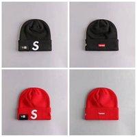 sombreros de lana roja al por mayor-Los nuevos sombreros de SUP sombreros fríos de punto gorro de lana para el deporte al aire libre de invierno Big S Caps Negro Rojo Azul