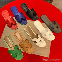Wholesale red shower light for sale - Group buy Classic slippers Summer woman beach shoes Designer Leather Flat woman shoes Hotel Bath slippers Cartoon Big Head Slippers Large size