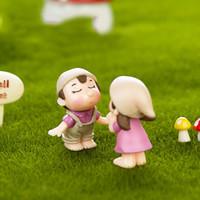 ingrosso miniature garden-Boy Girl Kids Couple Miniature Ornament Craft Fai-da-te Paesaggio Dollhouse Decor Yard Garden Decor