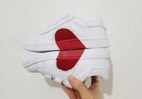 ingrosso laser è aumentato-2019 new Superstar love heart skate laser Shell toe lover heart Scarpe da corsa per bambini boy girl young kid sport Sneaker taglia 22-35