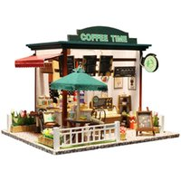 ingrosso caffè in miniatura-Fai da te in miniatura casa delle bambole fai da te in miniatura senza parapolvere 3D casa delle bambole in legno giocattoli per i bambini regali di compleanno New Time Coffee