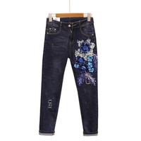 paillettes à la broderie 3d achat en gros de-Trou de luxe Nouveau Pantalon Jeans Femme Jeans Retro broderie Paillettes 3D Floral Tendances de la mode Jeans Pantalon Bleu Foncé