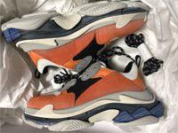 la chaussure design fait achat en gros de-Nouveau Orange De Luxe Triple S Designer Bas-haut Faire Vieux Sneaker À La Mode Chaussures Bottes Hommes Femmes À Lacets Chaussures Top Qualité Sports Casual Chaussure